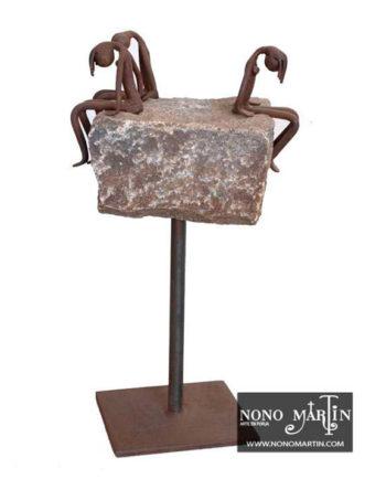 Escultura Infidelidad en forja. Esculturas de forja de Nono Martín, escultor de Alcaudete de la Jara en Toledo.