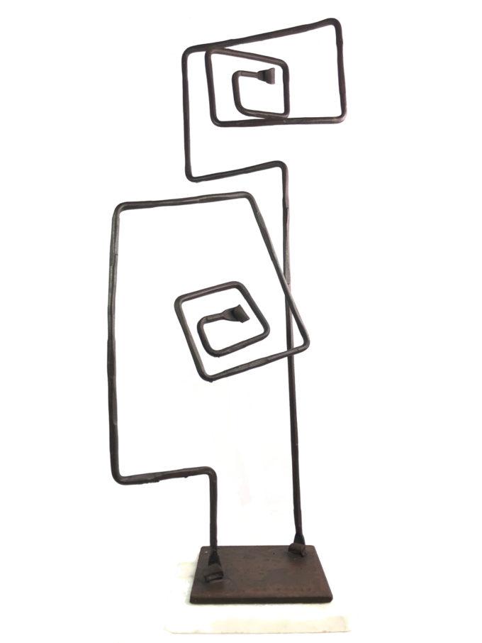 Escultura Espiral de forja del escultor Nono Martín