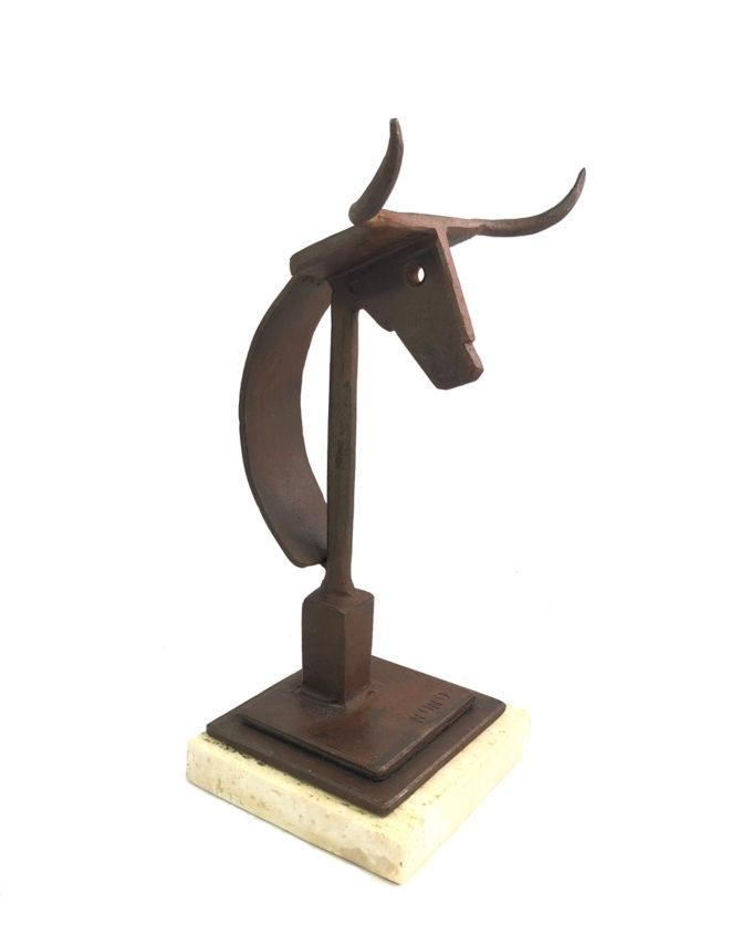 Trofeo taurino escultura de forja del escultor Nono Martín